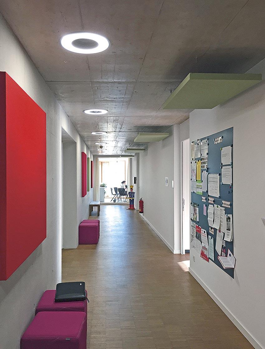 Wandabsorber, Deckenabsorber, Akustikbilder, Akustikpaneele, Akustikplatten, Schallabsorption, Akustik Kindergarten, Akustik Schule